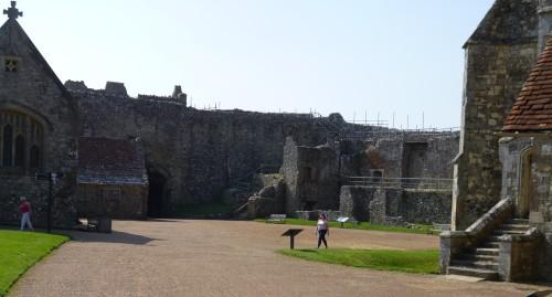 ......Carisbrooke Castle....