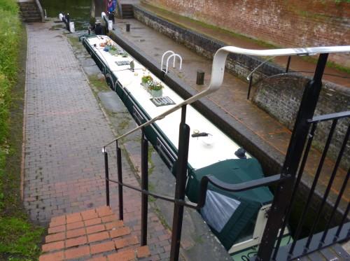 Narrow boat lock with narrow boat